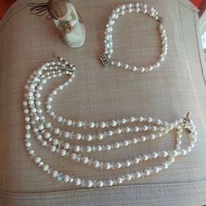 Boutique Beautful necklace & matching bracelet